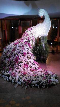 Floral Sculpture on Pinterest | Preston Bailey, Peacocks and Sculpture