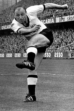 Uwe Seeler of West Germany in action at the 1958 World Cup Finals. 1958 World Cup, Association Football, World Cup Final, Soccer World, Trainer, Finals, The Past, Germany, Memories
