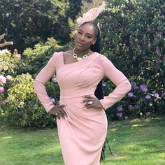 Serena Williams is wearing a blush pink dress and fascinator to the royal wedding Serena Williams, Royal Wedding Guests Outfits, Royal Weddings, Dress Wedding, Wedding Outfits, Wedding Ceremony, Atelier Versace, Lady Diana, Trendy Dresses