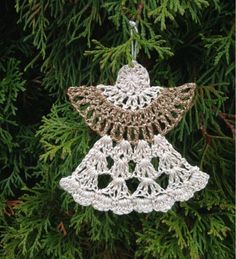 This Christmas Angel Ornaments Free Crochet Pattern is so beautiful. It uses few angel crochet patterns to create crochet ornaments. Diy Crochet Ornaments, Crochet Christmas Decorations, Crochet Diy, Crochet Bookmarks, Crochet Amigurumi, Christmas Crochet Patterns, Holiday Crochet, Crochet Snowflakes, Crochet Crafts
