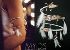 »Bracelete« Esta bracelete é toda realizada manualmente, as penas são selecionadas e os cristais são Swarovski. No seu interior possui um arame podendo ser adaptado à largura do braço. .