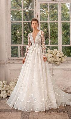 Best Wedding Dresses, Bridal Dresses, Wedding Styles, Wedding Gowns, Wedding Day, Wood Themed Wedding, Dress Body Type, Maid Dress, Bridal Collection