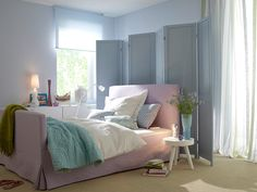 These colors would make me stay in bed all day. So relaxing.