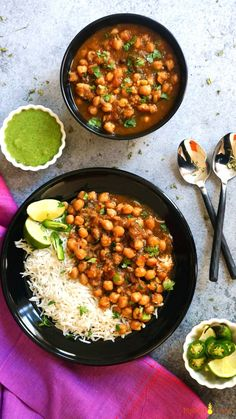 Punjabi Chole Masala / Chana Masala / Chickpeas Curry is a favorite Indian dish. This one-pot recipe for the authentic Chana Masala can be made in the Instant Pot or stovetop Pressure Cooker. A healthy protein-rich vegan and gluten free chickpea recipe. Vegetarian Curry, Vegetarian Recipes, Cooking Recipes, Healthy Recipes, Chickpea Curry, Vegetable Recipes, Cooking Beef, Naan, Instant Pot Curry Recipe