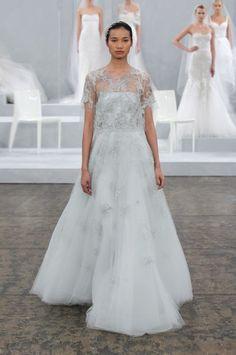 vestivo de noiva com blusa capa de Monique Lhuillier primavera 2015 Elsa
