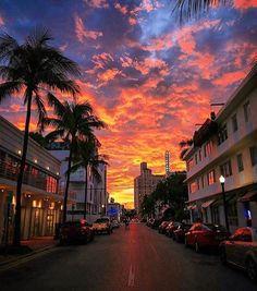 South Beach sunset #miami #florida #miamibeach #sobe #southbeach #brickell #Miami