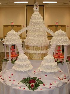 Amazing White Wedding Cake Ideas With Ladder Wallpaper