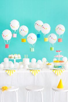 Birthday party themes, birthday balloons, baby birthday, first birthday par First Birthday Parties, Birthday Party Themes, First Birthdays, Baby Birthday, Baby Shower Balloons, Birthday Balloons, Theme Bapteme, Deco Ballon, Hot Air Balloon