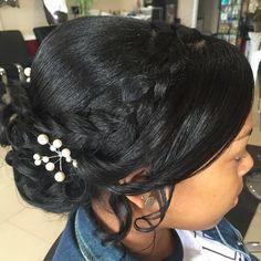 natural wedding hairstyles Black Wedding Updo For Relaxed Hair Black Hair Updo Hairstyles, Trending Hairstyles, Vintage Hairstyles, Prom Hairstyles, Layered Hairstyles, Hairstyles Pictures, African Hairstyles, Bridesmaid Hairstyles, Bridal Hairstyle