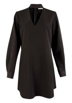 Znalezione obrazy dla zapytania black long sleeve choker dress