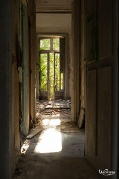 Bali, Back To Nature, Abandoned Places, Castle, Urban Exploration, Impressionist Art, Ruins, The Mansion, Photo Galleries