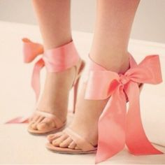 Ahhhhhh bows! I love them!!!!