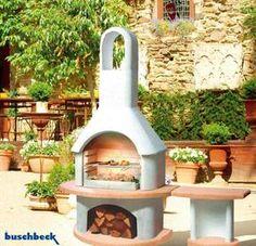 Fresh Dieser rustikale Garten Grillkamin ist bis auf die Simsplatte in natur Graubeton gefertigt