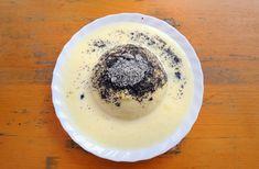 A germknödel, vagyis a gőzgombóc idehaza kevésbé elterjedt, ám annál finomabb édesség.