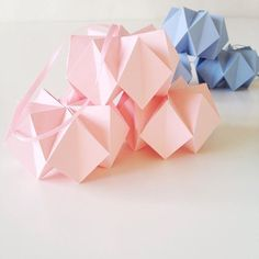 Happy Friday .  .  .  The Crystal balls will be online tomorrow in the origami series.  .  .  #thecreativehive #increativemoments #stjernestunderdk #crystalball #origami #origamiball #pastel #paperartist #papier #paperwork #paperdesign #paperdecor #easterdecor #dspink #dsshapes #seedscolor #stjernestunderdk #stjernestunder #påskepynt #papirpynt #nothingisordinary #abmcrafty #abmlifeiscolorful