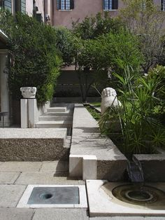 Carlo Scarpa designed garden at Palazzo Querini Stampalia Landscaping With Fountains, Pond Fountains, Modern Landscaping, Garden Landscaping, Love Garden, Water Garden, Landscape Design, Garden Design, Courtyard Pool
