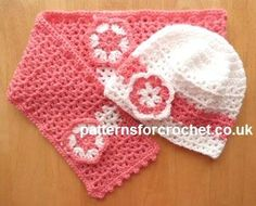 Girls Hat & scarf set free crochet pattern with flower motif, in USA and UK format. Crochet Girls, Crochet Baby Hats, Crochet Beanie, Cute Crochet, Crochet Scarves, Crochet Crafts, Crochet Projects, Crocheted Hats, Crochet Children