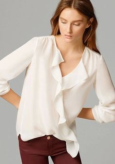 Love Love LOVE this Top! Love the Ruffles! Love the Hemline! White Plian Ruffle Irregular Blouse #White #Ruffle #Blouse #Irregular #Hem #Fashion #Outfit #Ideas