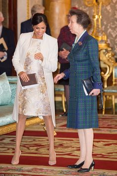 All of the royals – from Meghan Markle and Kate Middleton to the Queen – were out to celebrate the anniversary of Prince Charles' investiture as the Prince of Wales Prince Harry Et Meghan, Princess Meghan, Kate And Meghan, Harry And Meghan, Duchess Of Cornwall, Duchess Of Cambridge, Prince Charles, Lady Diana, Elizabeth Ii