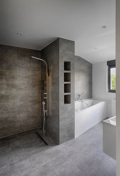 Refurbishment of the bathroom after - shower and tub Bathroom Spa, Pool Houses, Bathroom Interior Design, Inspired Homes, Sweet Home, Bathtub, New Homes, Jan Kurtz, Industrial Style