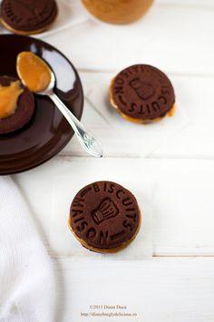 Biscoitos de chocolate com doce de leite | chocOlate cookies with dulce de leche