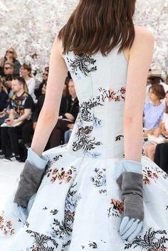 Christian Dior Fall 2014 Couture Fashion Show Details