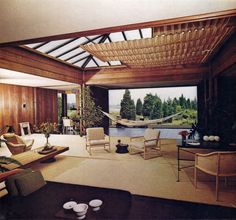 Ward Bennett beach house | Amagansett, Long Island THE NYT BOOK OF INTERIOR DESIGN AND DECORATION ©1976