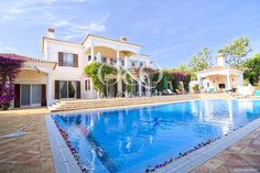 Villa de luxe située dans le quartier le plus prestigieux de Quinta do Lago! En savoir plus: ow.ly/Dofkr