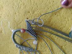 叶の魅(不知原作者起的啥名) 第14步 Macrame Earrings, Macrame Jewelry, Lace Necklace, Necklace Tutorial, Macrame Tutorial, Micro Macrame, Floral Lace, Art For Kids, Knitting