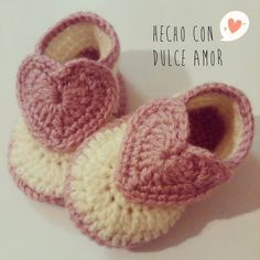 Little Crochet Shoes for babies Knit Baby Shoes, Crochet Baby Boots, Knit Baby Booties, Crochet Baby Clothes, Crochet Shoes, Love Crochet, Crochet For Kids, Crochet Baby Blanket Beginner, Baby Knitting