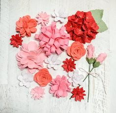 Felt Flowers handmade for your projects.Colors for flowers: Coral, Pink, Cotton Candy, Strawberry and Opal. Felt Flower Wreaths, Floral Wreath, All Flowers, Spring Flowers, Wool Felt Fabric, Felt Sheets, Valentines Flowers, Handmade Felt, Diy Wreath