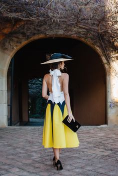 Look invitada boda: yellow touch-17038-misscavallier Tropical Wedding Dresses, Dress Skirt, Dress Up, Summer Outfits, Summer Dresses, Moda Emo, Outfits With Hats, Models, Elegant Outfit