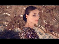 Celebrity Interviews - Métiers d'Art 2014/15 Paris-Salzburg CHANEL Show - YouTube