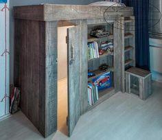 Leuk voor de kinderen! Echte stoere hoogslaper van steigerhout. Tegelijk een mooie speel hut.