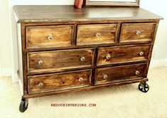 Even though I'm not into the 'industrial' look, I completely love the total look of this dresser!
