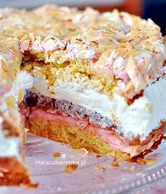 Rhubarb cake with meringue and whipped cream Sweet Desserts, Sweet Recipes, Delicious Desserts, Cake Recipes, Dessert Recipes, Polish Desserts, Polish Recipes, Sweets Cake, Cupcake Cakes