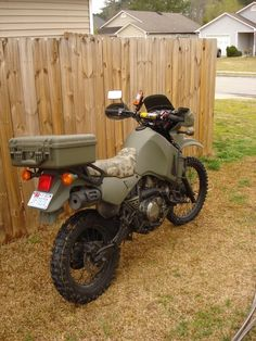 What can I do to make an USMC KLR replica? - Forums - Your Kawasaki Forum Resource! - The Original Forum! Vespa, Dr 650, Enduro Motorcycle, Motorcycle Helmets, Quad, Offroader, Bug Out Vehicle, Dual Sport, Military Photos