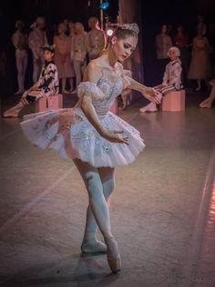 Ballerina Tutu, Ballerina Dancing, Little Ballerina, Ballet Dancers, Ballet Costumes, Dance Costumes, Vaganova Ballet Academy, Contemporary Ballet, Ballet Images