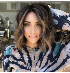 Medium Hair Styles, Short Hair Styles, Haircut And Color, Brunette Hair, Up Girl, Great Hair, Hair Today, Hair Highlights, Hair Dos
