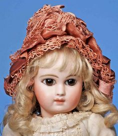 EARLY EXTREME ALMOND-EYED PORTRAIT BEBE BY JUMEAU : Lot 76