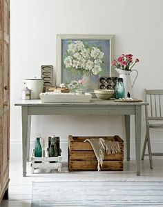 Nice vignette with old crockery and baking tins