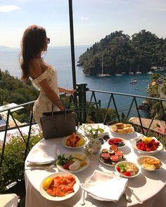 Luxury Lifestyle Women