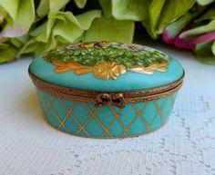 Limoges France Peint Main Hand Painted Artist Signed Porcelain Trinket Box #PeintMainLimoges