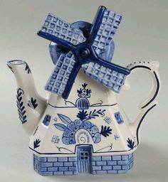 Figural teapot