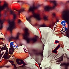 SnapWidget | #TBT John Elway throws a pass in the #Broncos' 22-21 win at Oakland on Nov. 4, 1996.