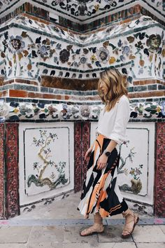 The perfect look for a stroll in Bangkok: Statement Midi Skirt meets white Blouse. Worn by Jecky from Want Get Repeat