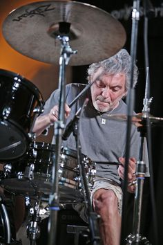"News: ""World's Greatest Drummer? Concert to Feature Steve Gadd Since the world's most widely read drum magazine: in print, online, and the Modern Drummer app. Where the world's greatest drummer meet. Steve Gadd, Modern Drummer, Dope Music, Indie Music, Music Genius, The Soloist, Drummer Boy, Jazz Musicians, Van Halen"