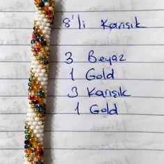 Crochet Beaded Bracelets, Bead Crochet, Handmade Bracelets, Bead Weaving, Floral Tie, Jewelry Crafts, Jewelery, Beads, Diy