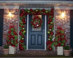 Enhance your home this season with Christmas door decorations by put a simple Christmas ornaments. Check out our Christmas door decorating ideas. Christmas Front Doors, Christmas Door Decorations, Outdoor Christmas, Simple Christmas, All Things Christmas, Winter Christmas, Christmas Wreaths, Christmas Crafts, Holiday Decor