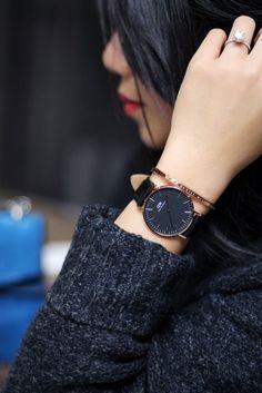 Black classic watch by Daniel Wellington Daniel Wellington Watch Women, Daniel Wellington Classic Petite, Daniel Wellington Cuff, Trendy Watches, Casual Watches, Cool Watches, Accesorios Casual, Beautiful Watches, Stylish Girl
